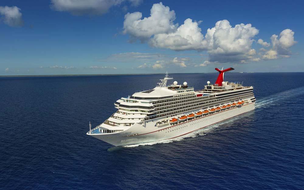 carnival-cruise-ship-at-sea